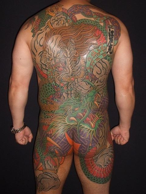 背中に第六天魔王波旬(だいろくてんまおうはじゅん)、天魔波旬の刺青、和彫り