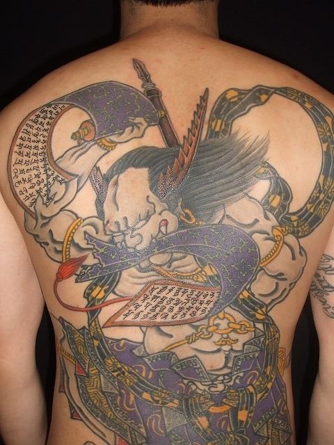 巻物の梵字の刺青
