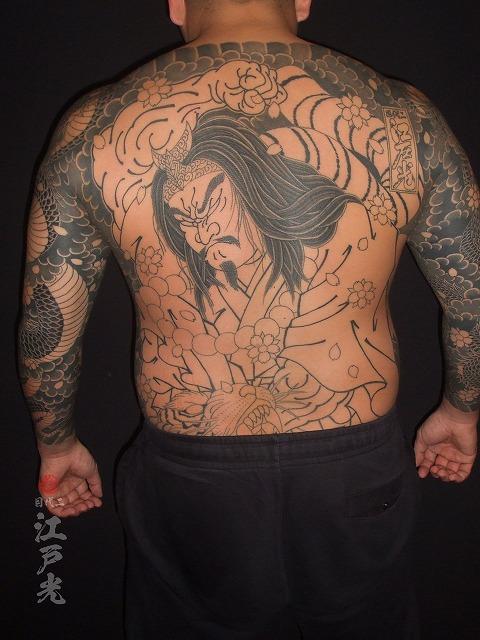 背中に行者武松(ぎょうじゃぶしょう)の刺青タトゥー