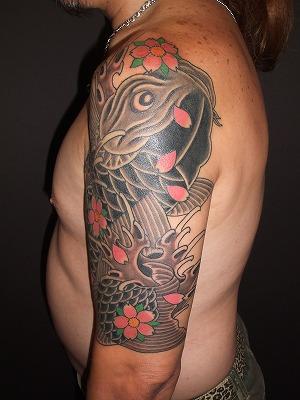 鯉の刺青、腕