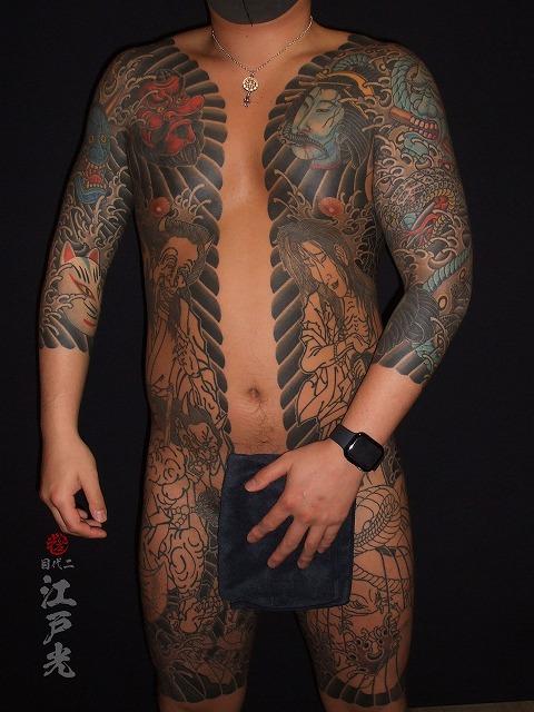胸割り、天狗。狐、般若、生首、蛇の刺青タトゥー
