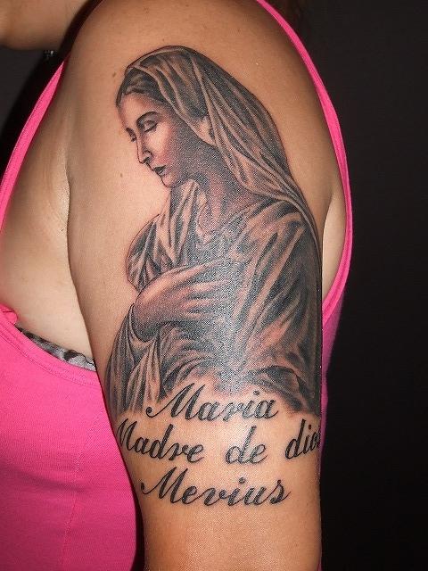 聖母マリア アヴェマリアの刺青 女性腕