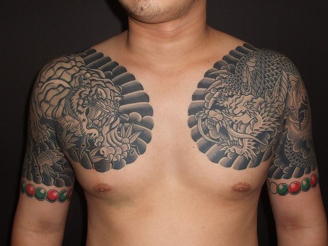 龍虎の刺青