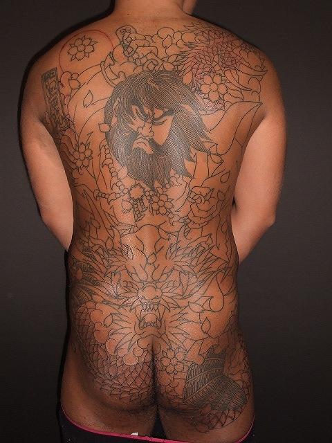 須佐之男命の刺青の背中